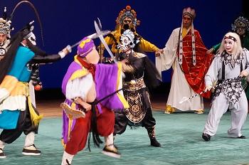 「京劇」公演1000人の聴衆を魅了(2)